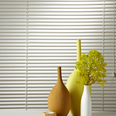 how to clean plastic venetian blinds